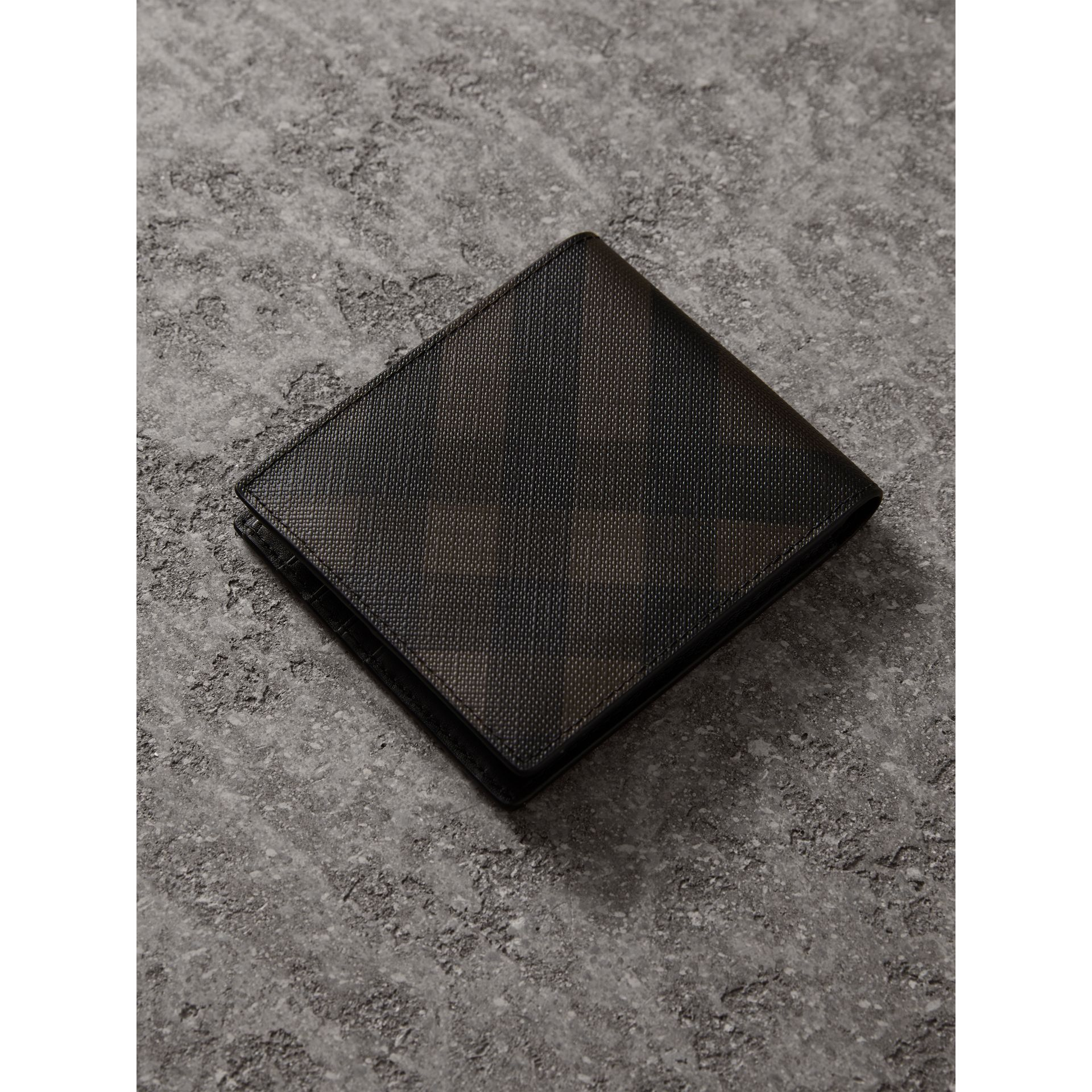 London Check International Bifold Wallet in Chocolate/black - Men | Burberry - gallery image 2