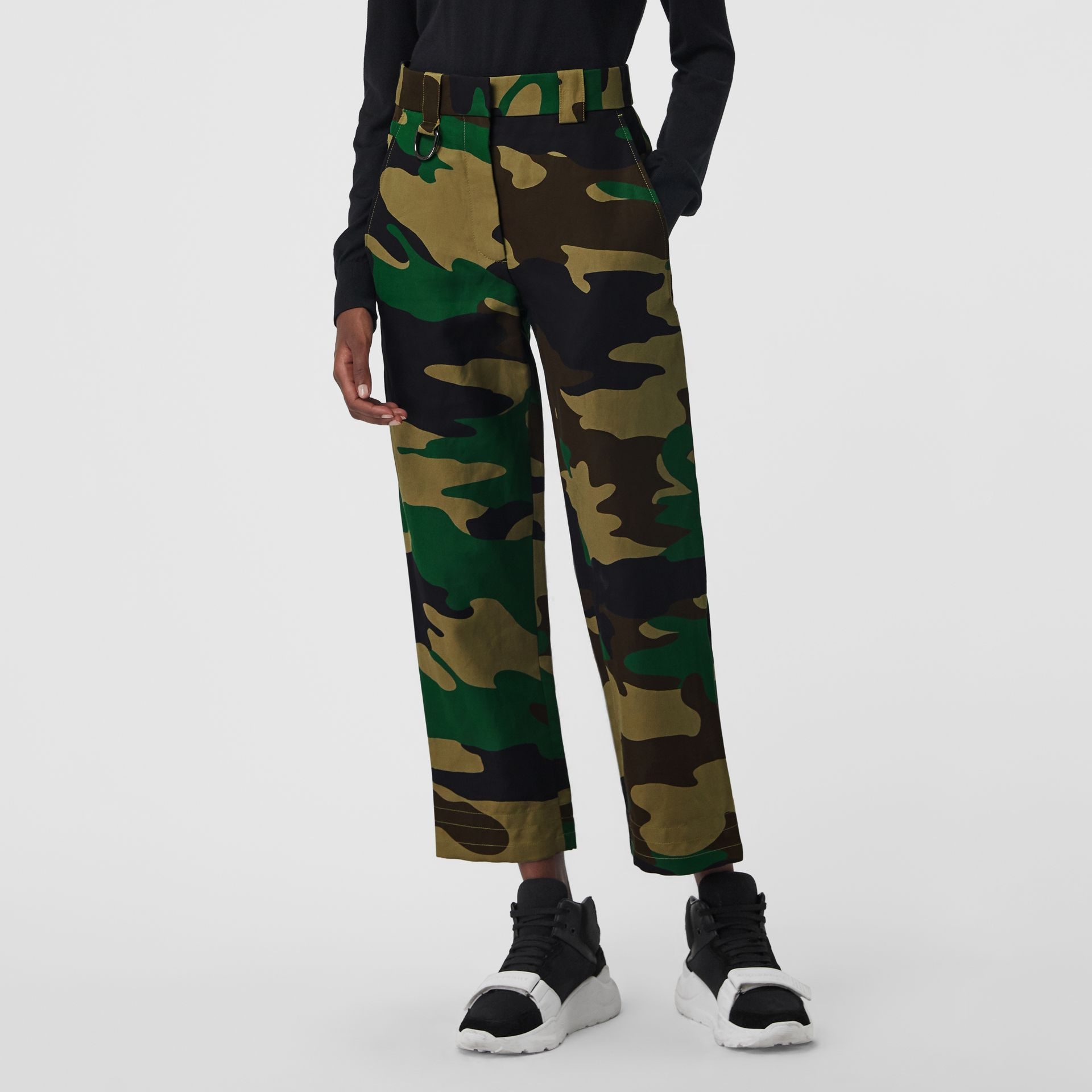 Camouflage Print Ramie Cotton Cargo Trousers in Forest Green - Women | Burberry Singapore - gallery image 5