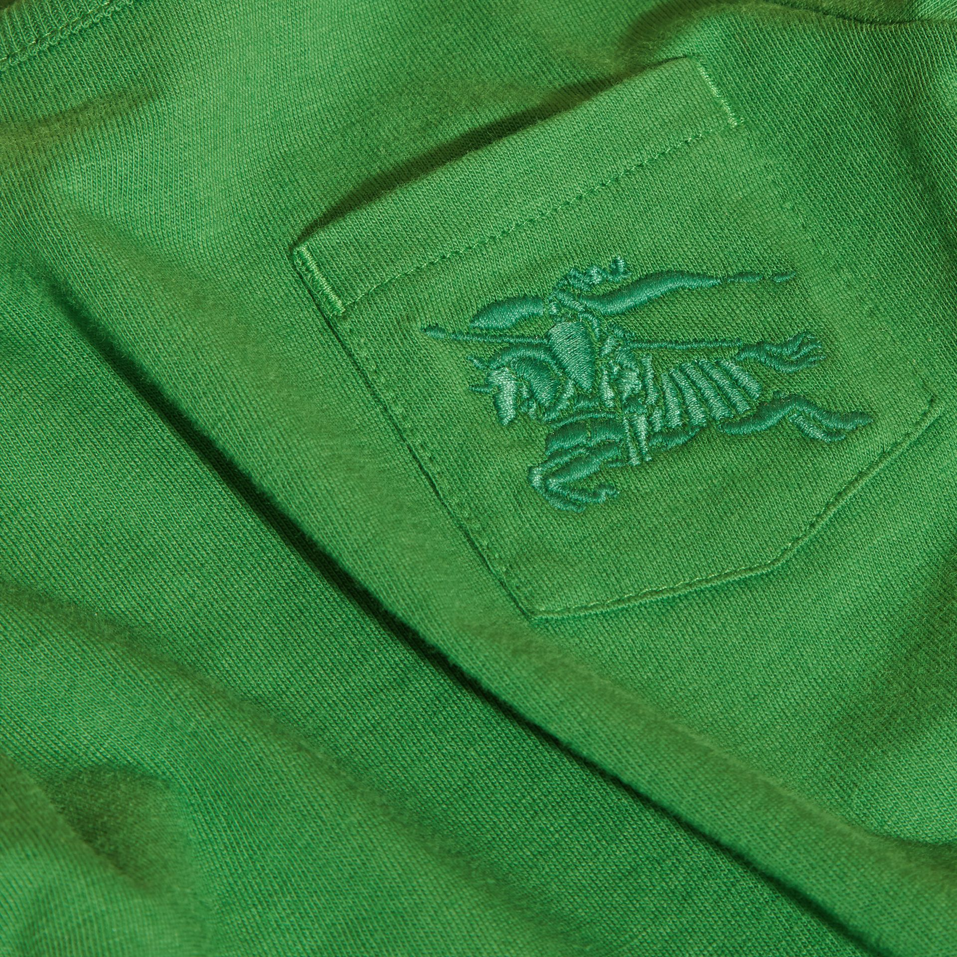 Verde felce brillante T-shirt girocollo in cotone Verde Felce Brillante - immagine della galleria 2