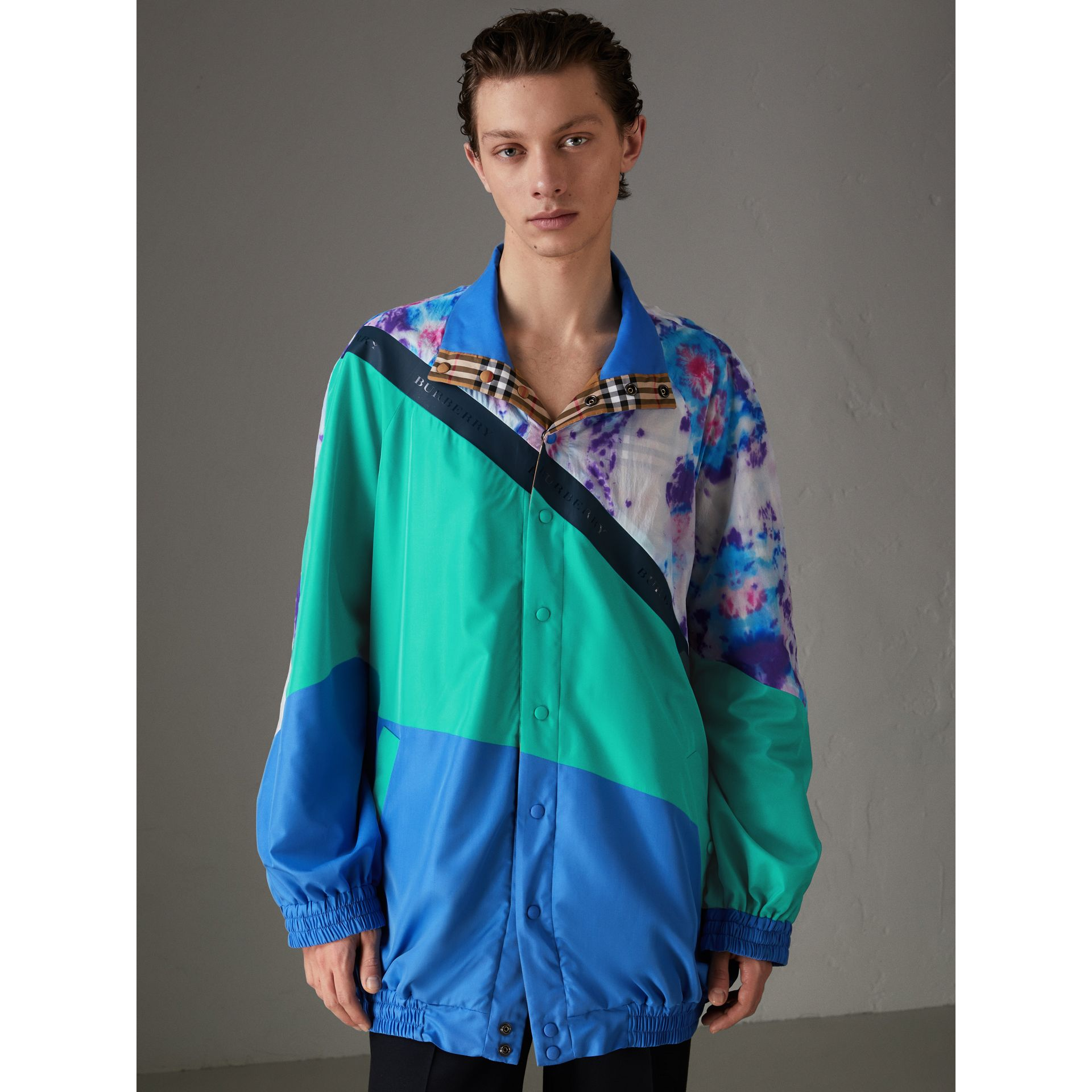 Reversible Tie-dye Silk Shell Suit Jacket in Turquoise | Burberry - gallery image 5