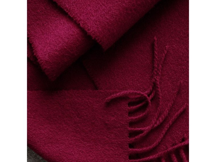 The Classic Cashmere Scarf in Plum | Burberry - cell image 4
