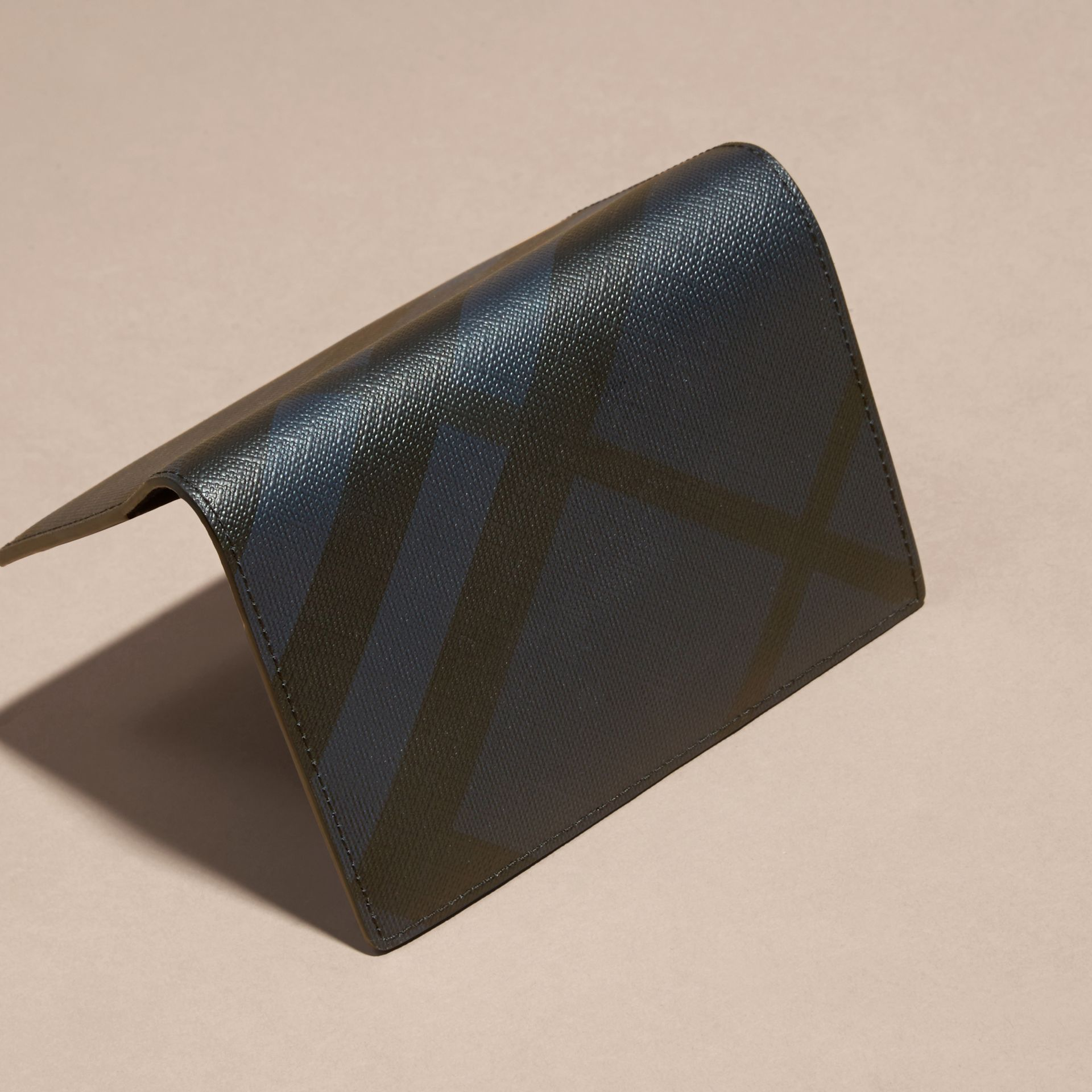 Navy/black London Check Passport Cover Navy/black - gallery image 4