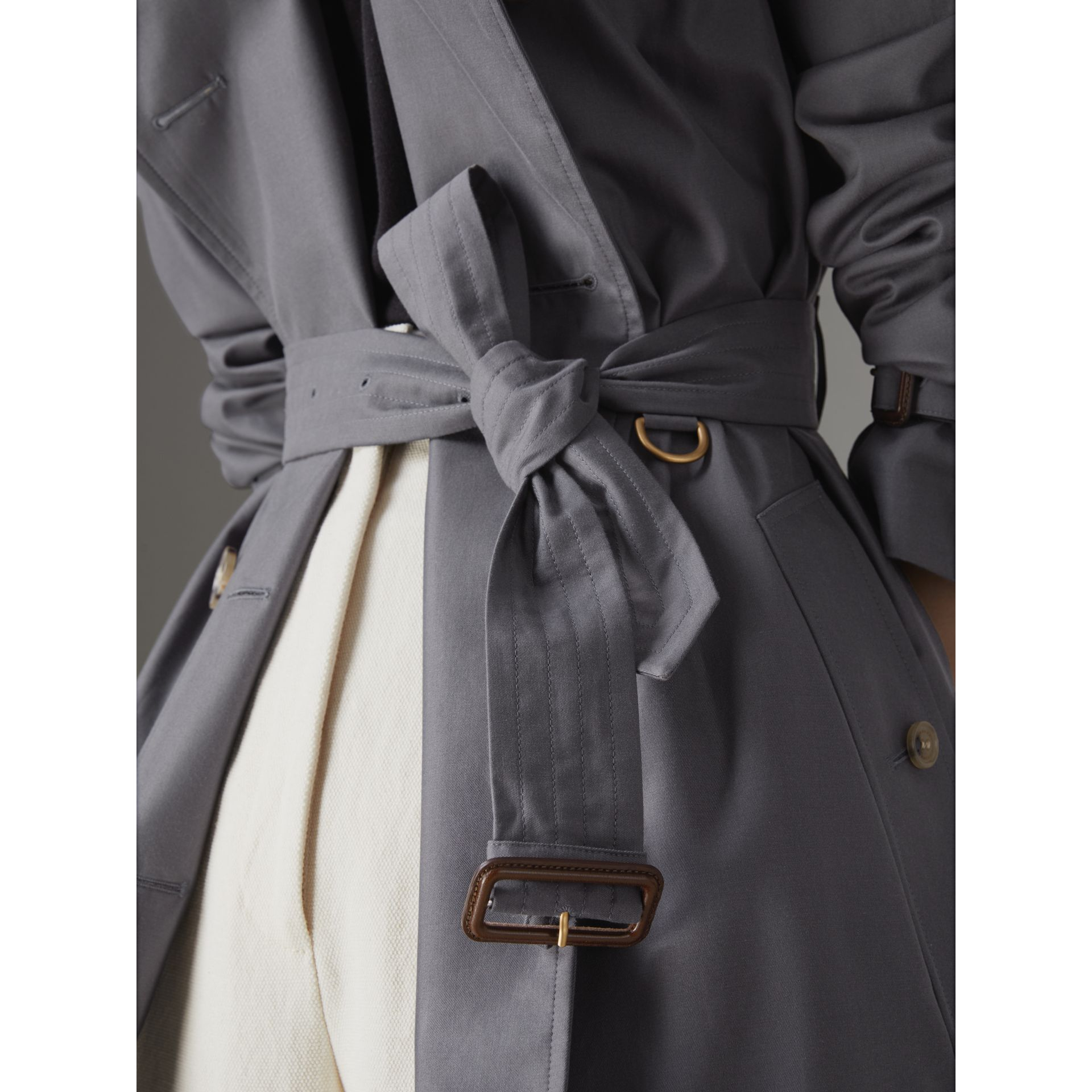 The Kensington Heritage Trench Coat in Mid Grey - Women | Burberry Singapore - gallery image 6