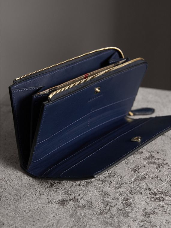 Grainy Leather Ziparound Wallet in Blue Carbon - Women | Burberry - cell image 3