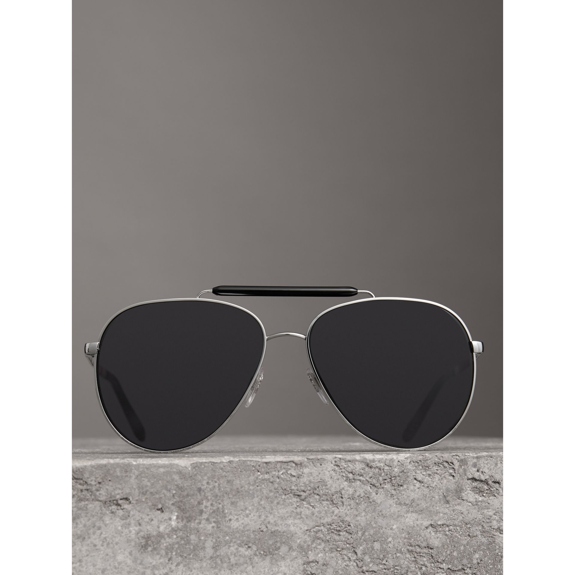 Top Bar Detail Pilot Sunglasses in Black - Men | Burberry - gallery image 2