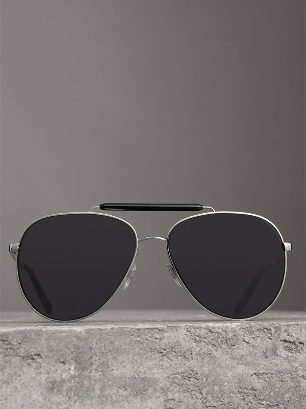 Top Bar Detail Pilot Sunglasses in Black - Men | Burberry Australia - cell image 2