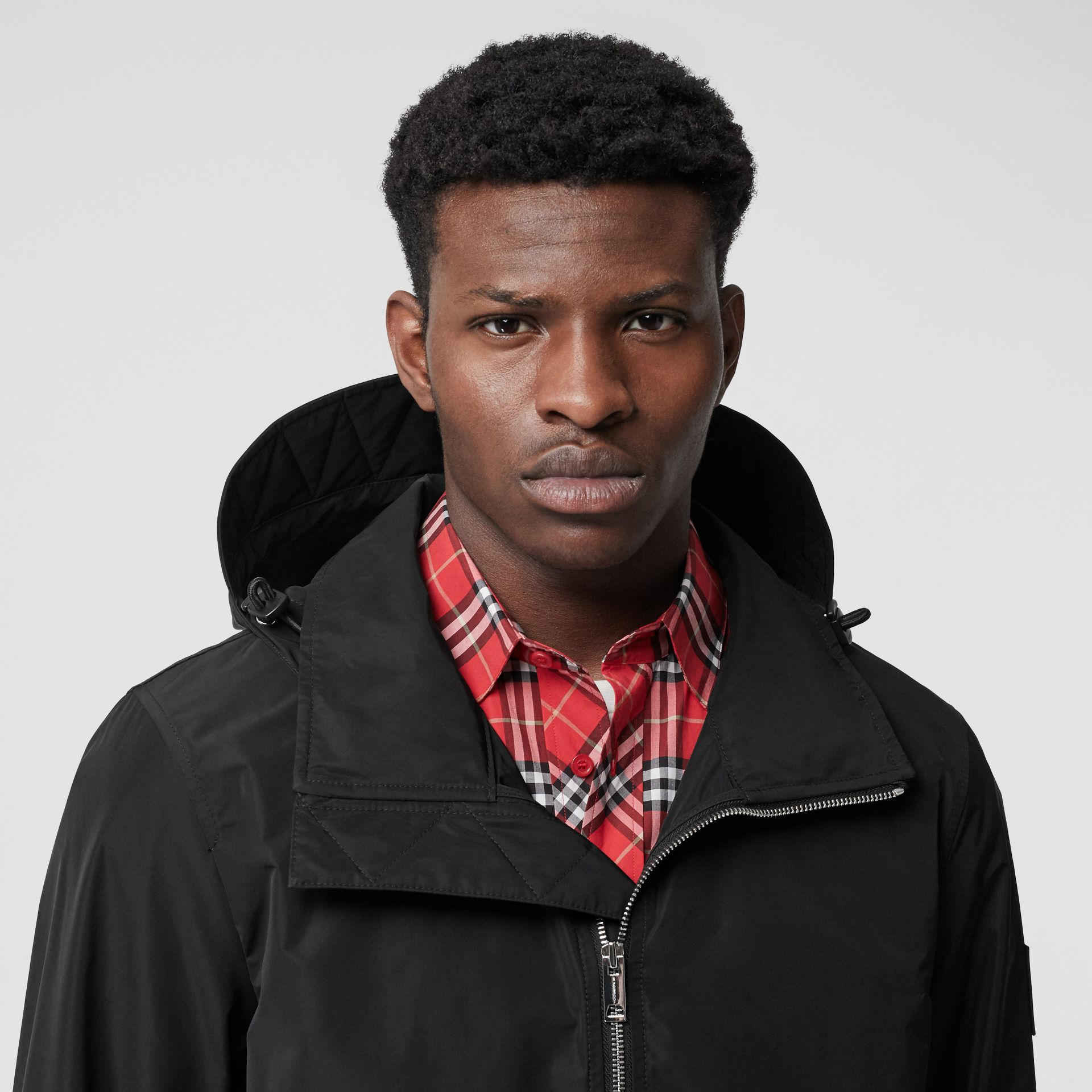Packaway Hood Shape-memory Taffeta Jacket in Black - Men | Burberry United States - gallery image 4
