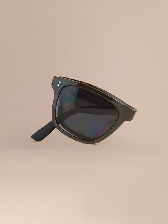 Folding Rectangular Frame Polarised Sunglasses in Grey - Men | Burberry Singapore - cell image 1