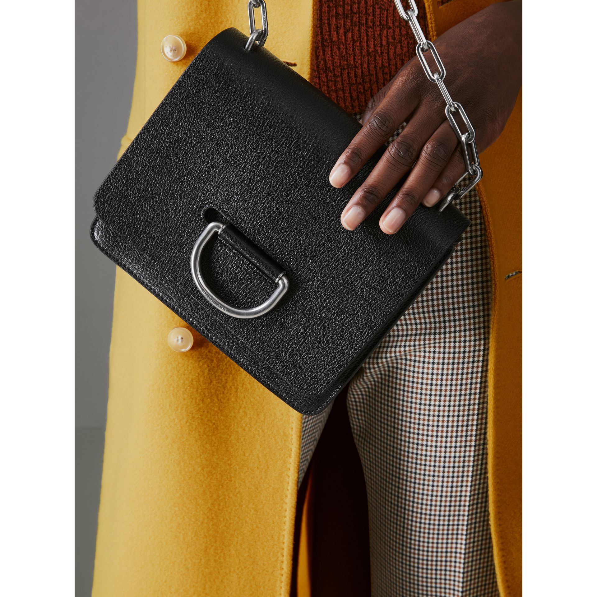 The Small Leather D-ring Bag in Black - Women | Burberry Singapore - gallery image 3