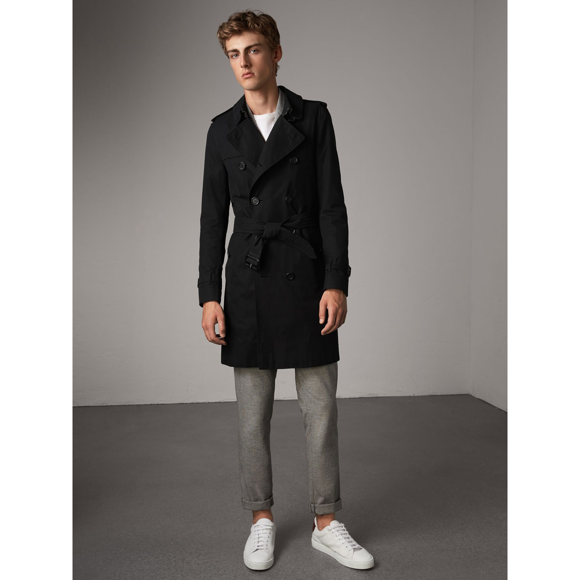 The Sandringham – Long Trench Coat in Black - Men | Burberry Singapore - gallery image 6