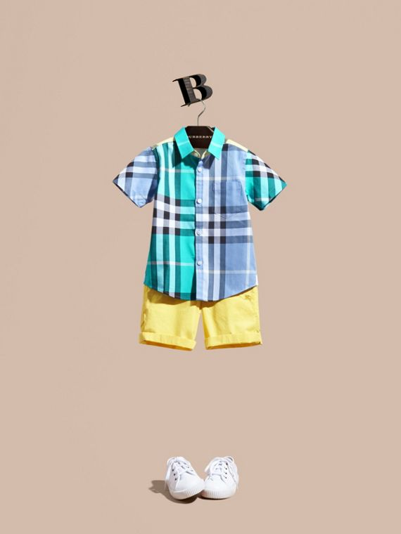 Short-sleeved Contrast Check Cotton Shirt in Cyan Green - Boy | Burberry