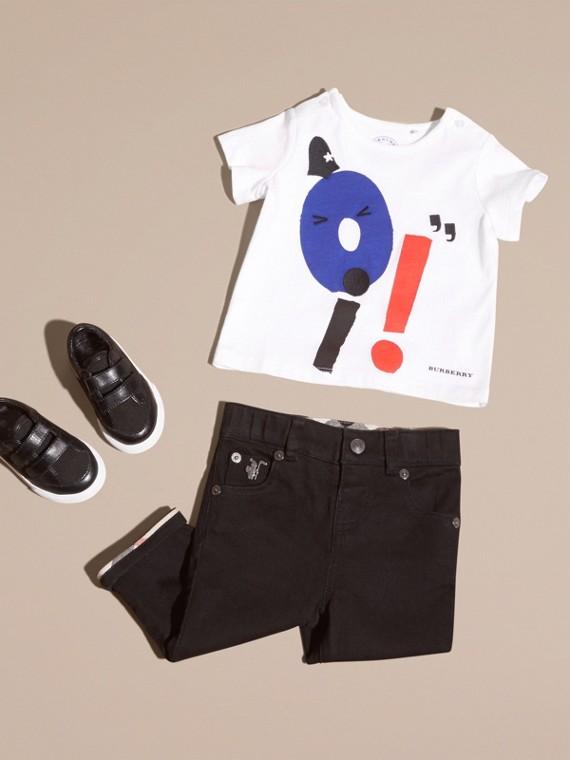 Graphic Motif Cotton T-shirt