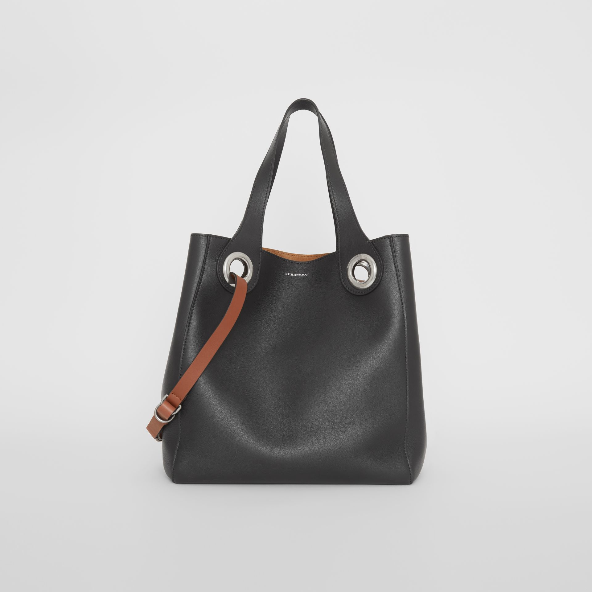f10b0b99d5e0 Burberry The Medium Leather Grommet Detail Tote In Black