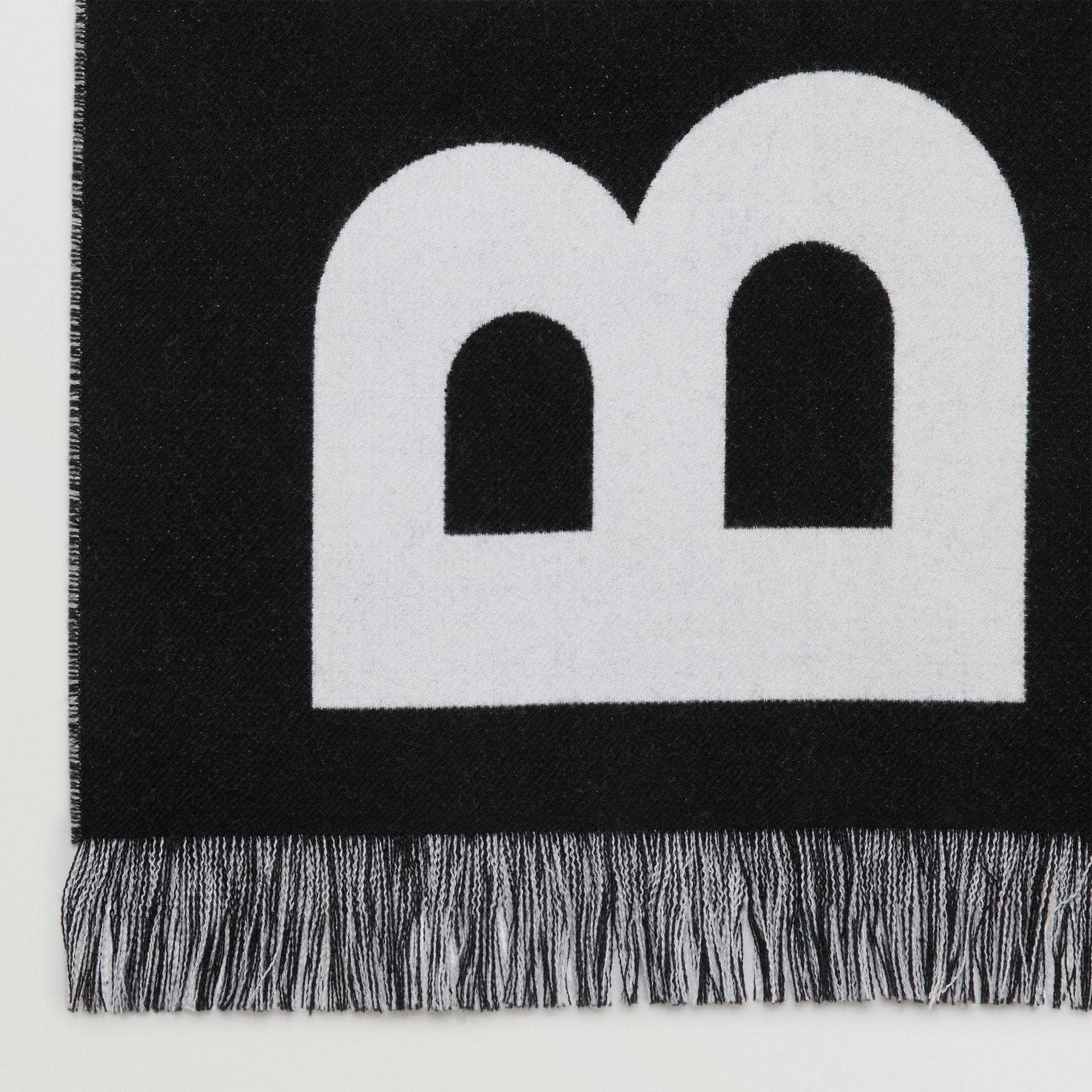 Cachecol em lã com logotipo (Preto/branco) | Burberry - galeria de imagens 1