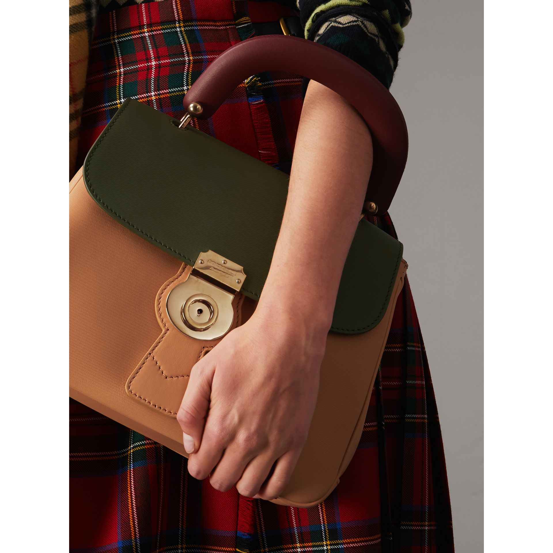 The Medium DK88 Top Handle Bag in Pale Clementine/moss Green - Women | Burberry - gallery image 2