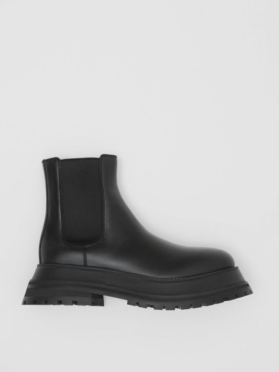 Leather Chelsea Boots in Black/black