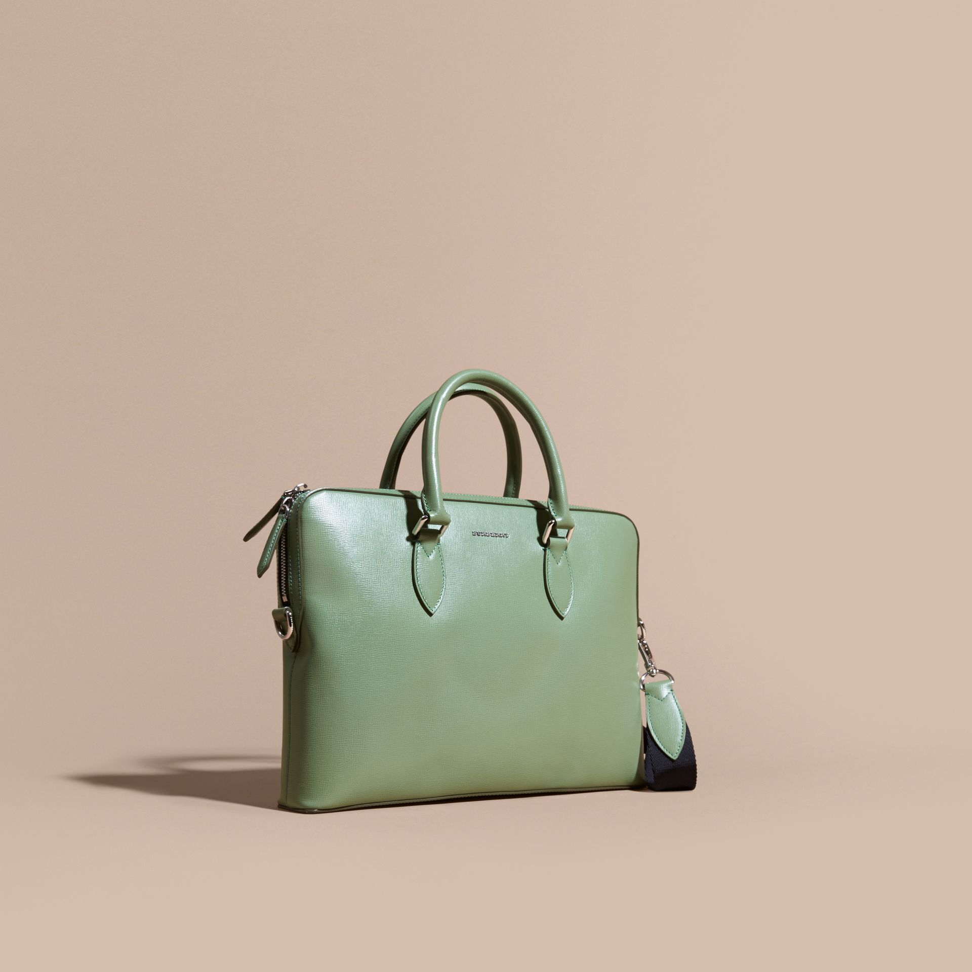 Sac The Barrow fin en cuir London Vert Antique - photo de la galerie 1