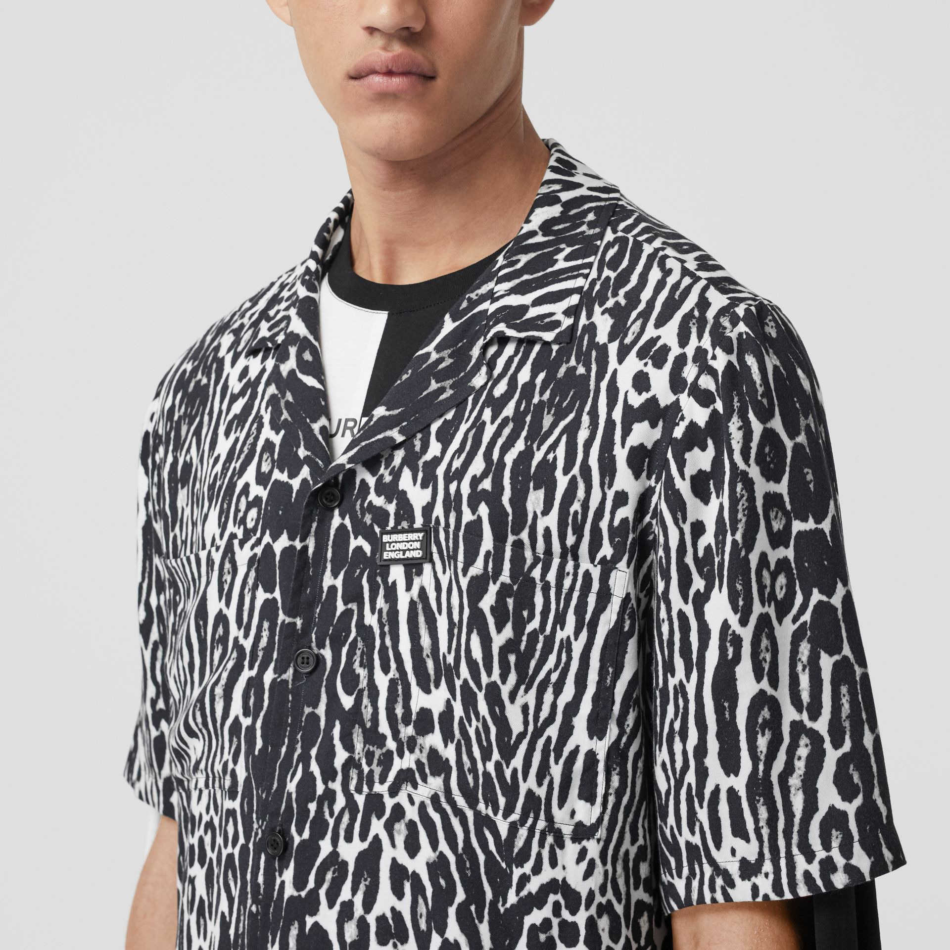 Short-sleeve Leopard Print Twill Shirt in Black - Men | Burberry United Kingdom - gallery image 1