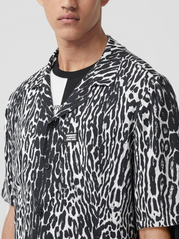 Short-sleeve Leopard Print Twill Shirt in Black - Men | Burberry United Kingdom - cell image 1