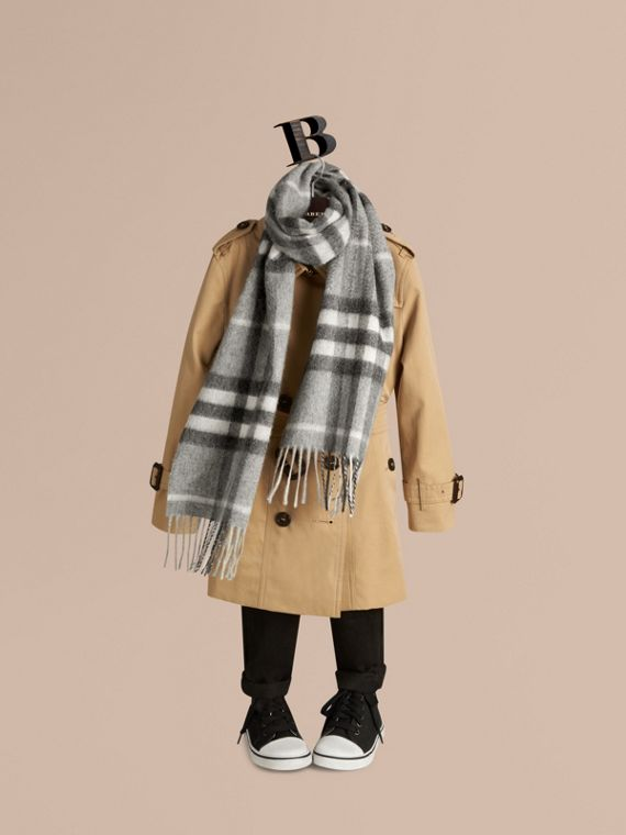 The Mini Classic Cashmere Scarf in Check in Pale Grey | Burberry - cell image 2