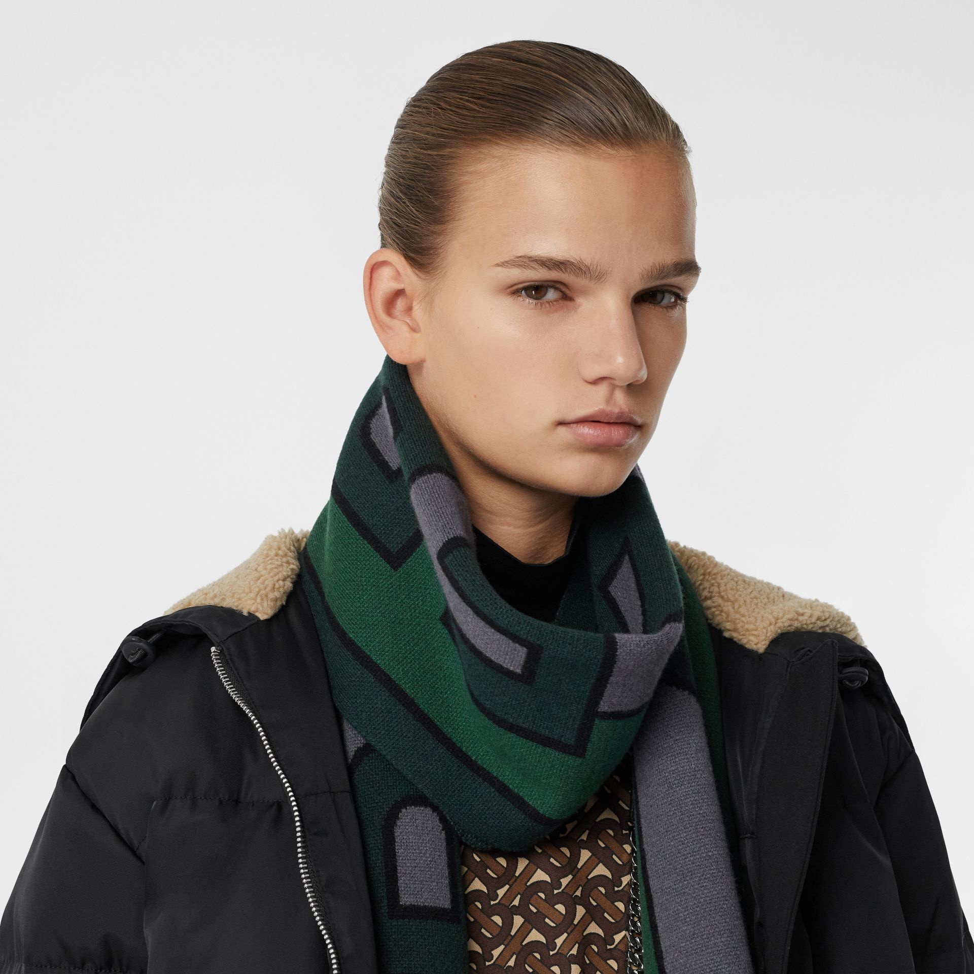 Logo Cashmere Jacquard Scarf in Forest Green | Burberry - gallery image 2