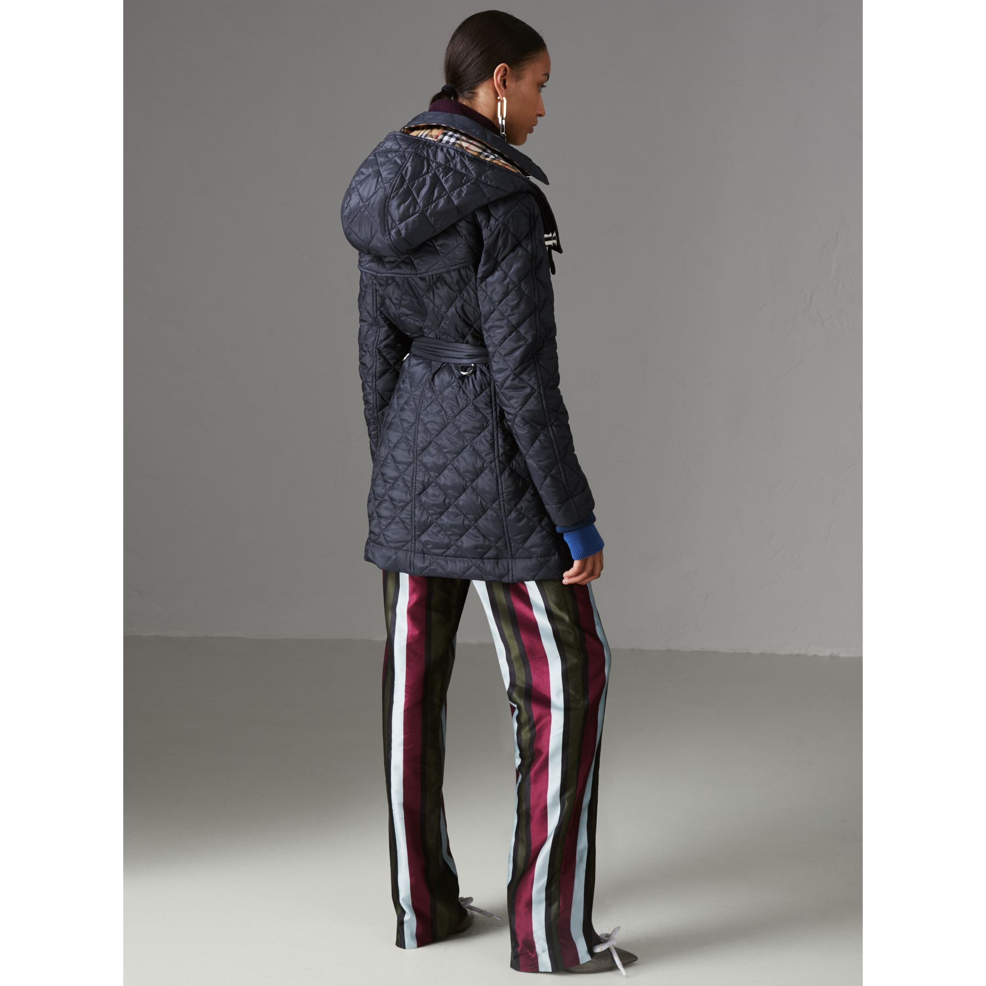 Detachable Hood Lightweight Diamond Quilted Coat in Ink - Women | Burberry - gallery image 2
