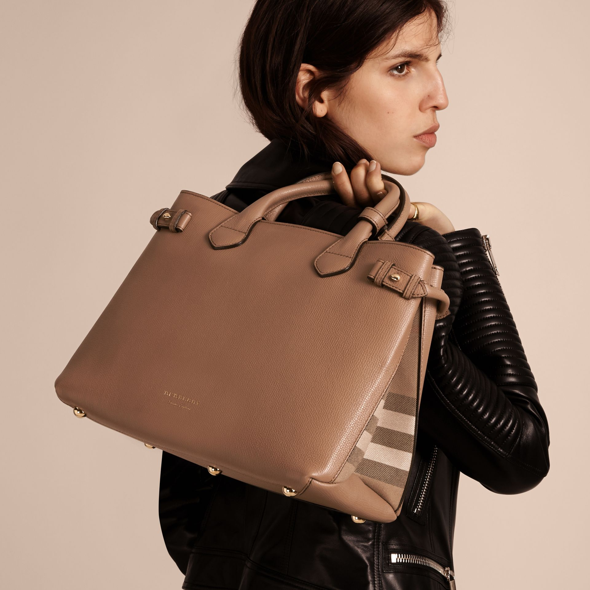 The Medium Banner in Leather and House Check in Dark Sand - Women | Burberry - gallery image 3
