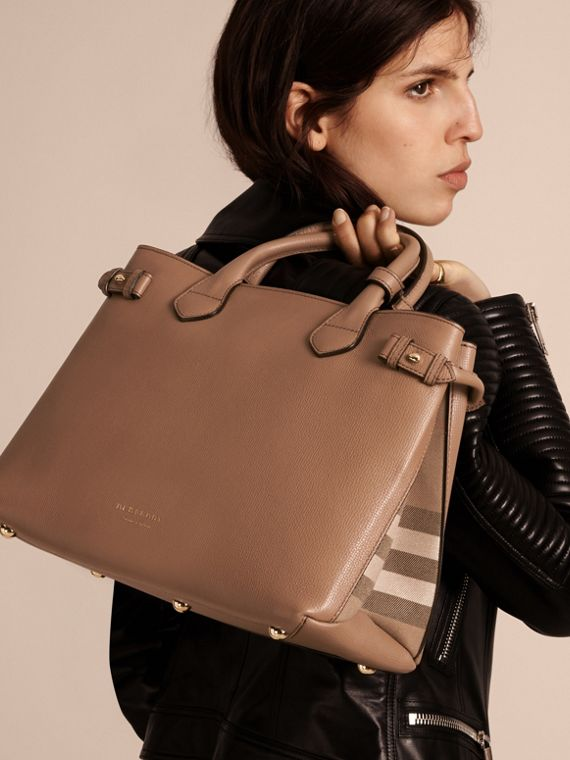 The Medium Banner in Leather and House Check in Dark Sand - Women | Burberry Australia - cell image 2