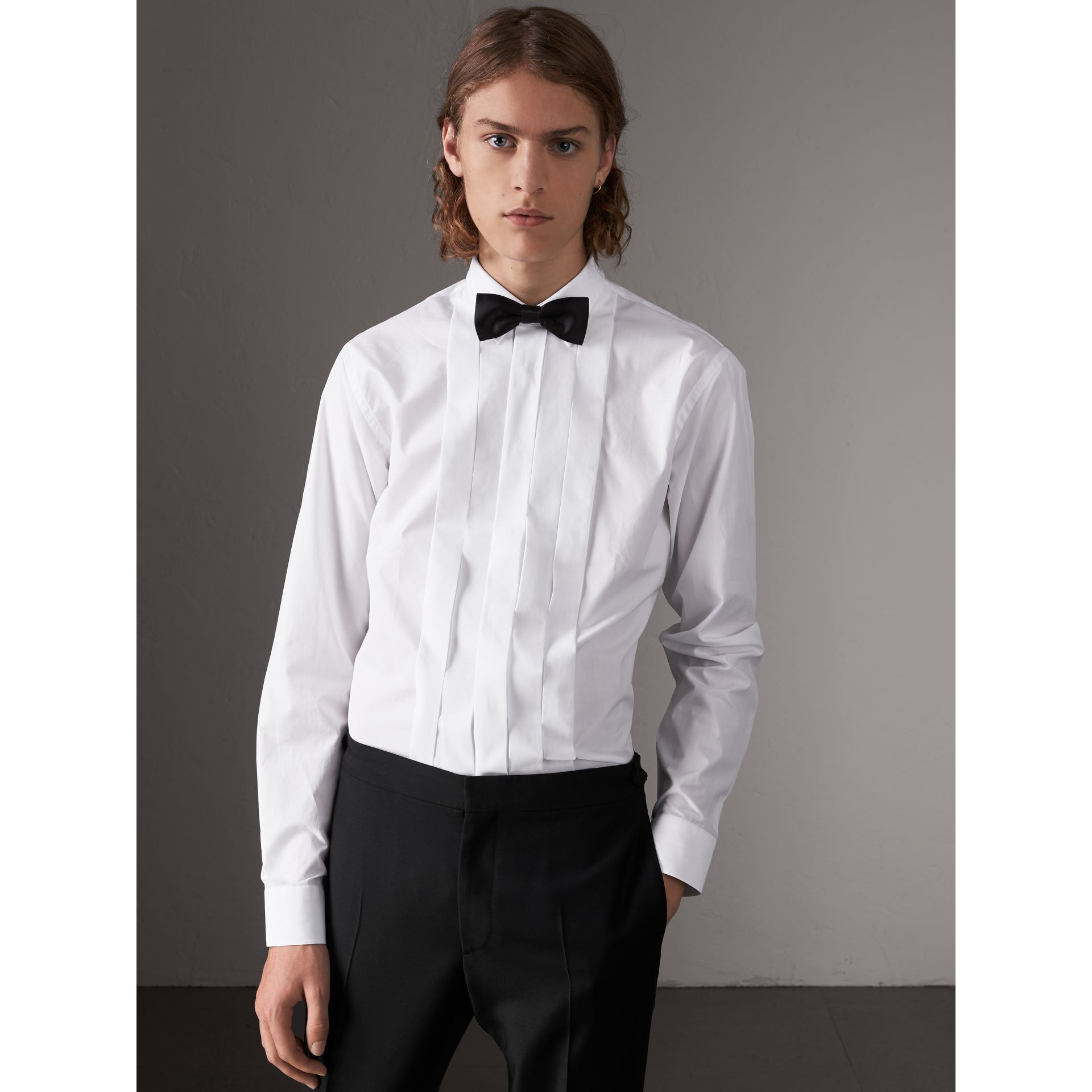 Modern Fit Cotton Poplin Dress Shirt in White - Men | Burberry - gallery image 1
