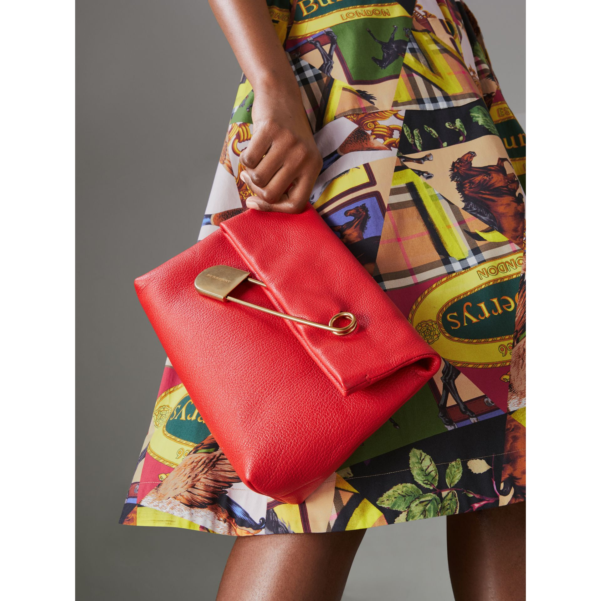 The Medium Pin Clutch in Leather in Bright Red - Women | Burberry United Kingdom - gallery image 3