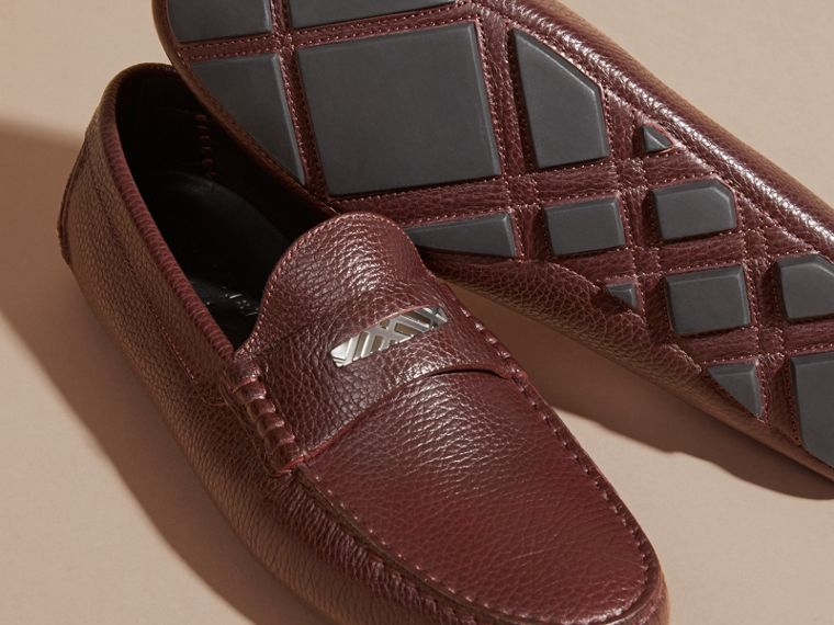 Bordeaux Grainy Leather Loafers with Engraved Check Detail Bordeaux - cell image 4