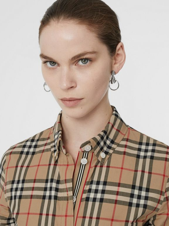 Camicia in cotone stretch con motivo Vintage check e colletto button-down (Beige Archivio) - Donna | Burberry - cell image 1