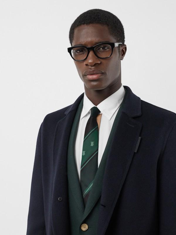 Cravate classique rayée en jacquard de soie Monogram (Vert Forêt) - Homme | Burberry Canada - cell image 2