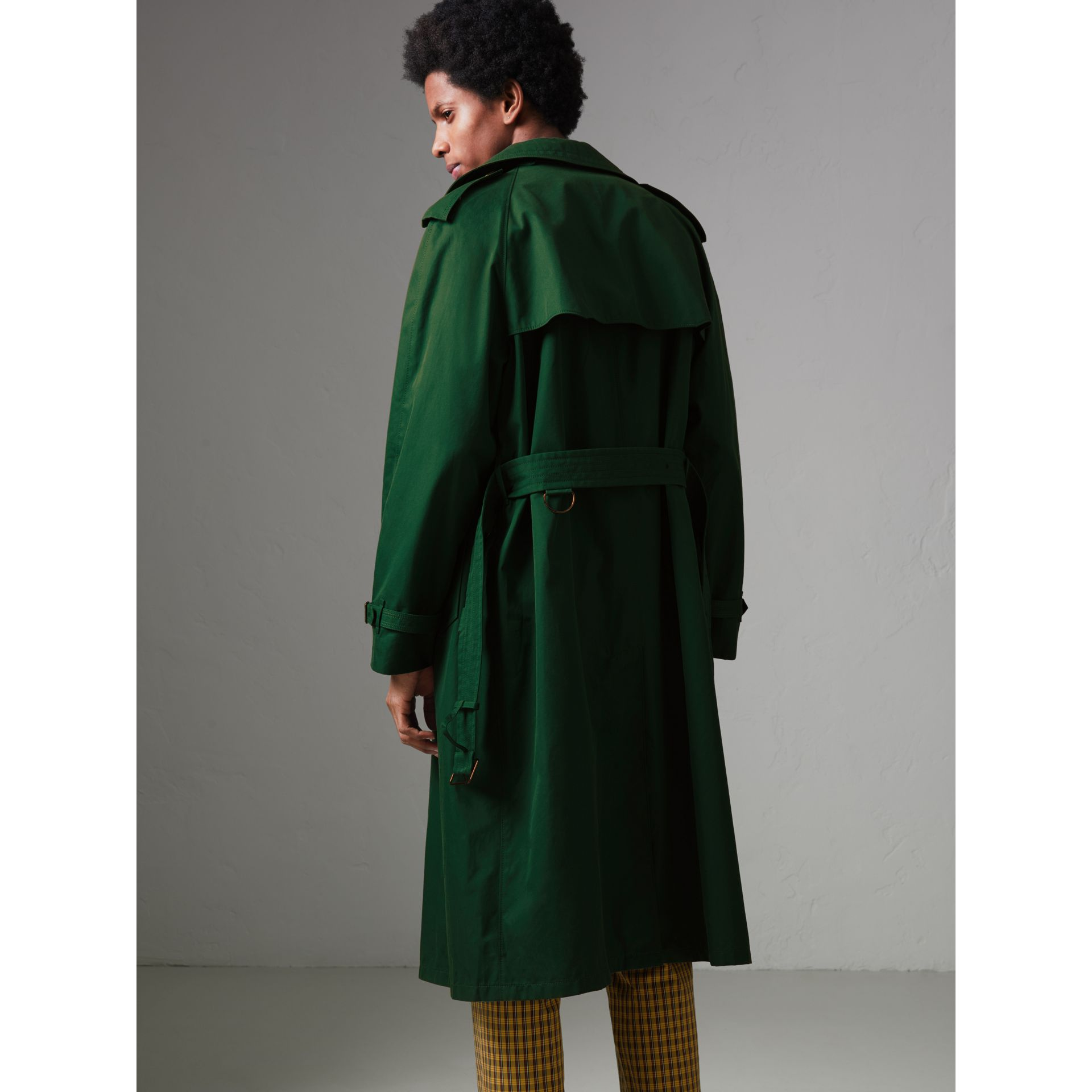 Gun-flap Detail Cotton Gabardine Trench Coat in Deep Veridian Green - Men | Burberry - gallery image 2