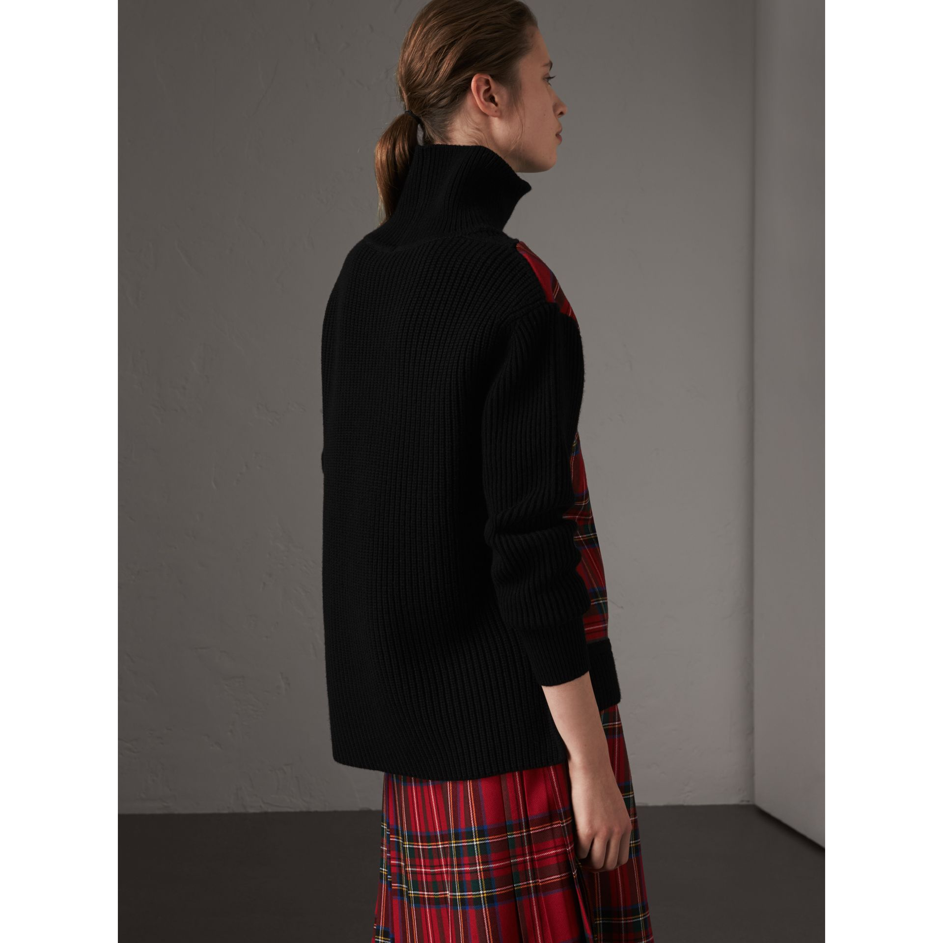 Tartan Panel Wool Cashmere Roll-neck Sweater in Red/navy - Women | Burberry United Kingdom - gallery image 2