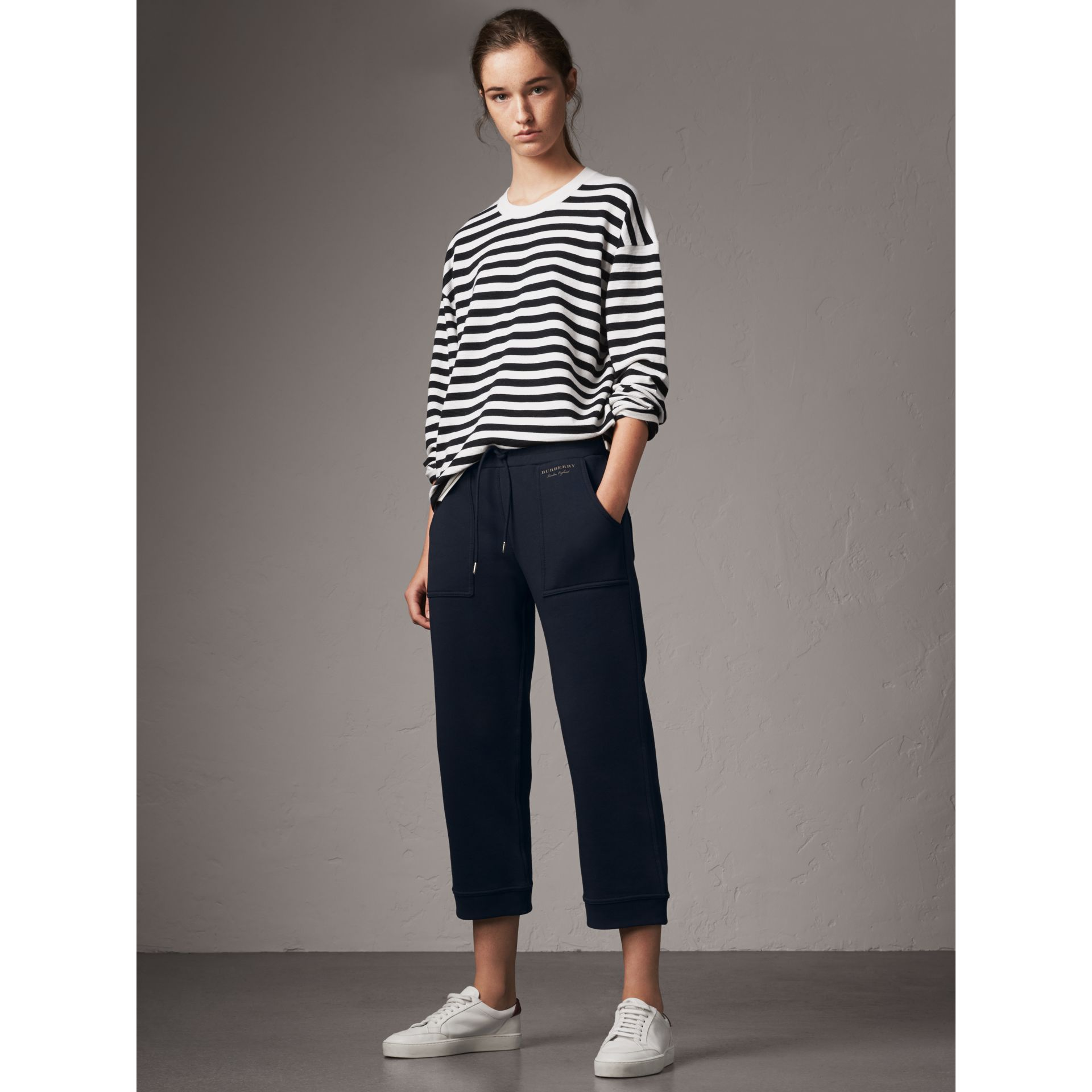 Pantalon de survêtement 7/8 en jersey (Marine) - Femme | Burberry - photo de la galerie 1