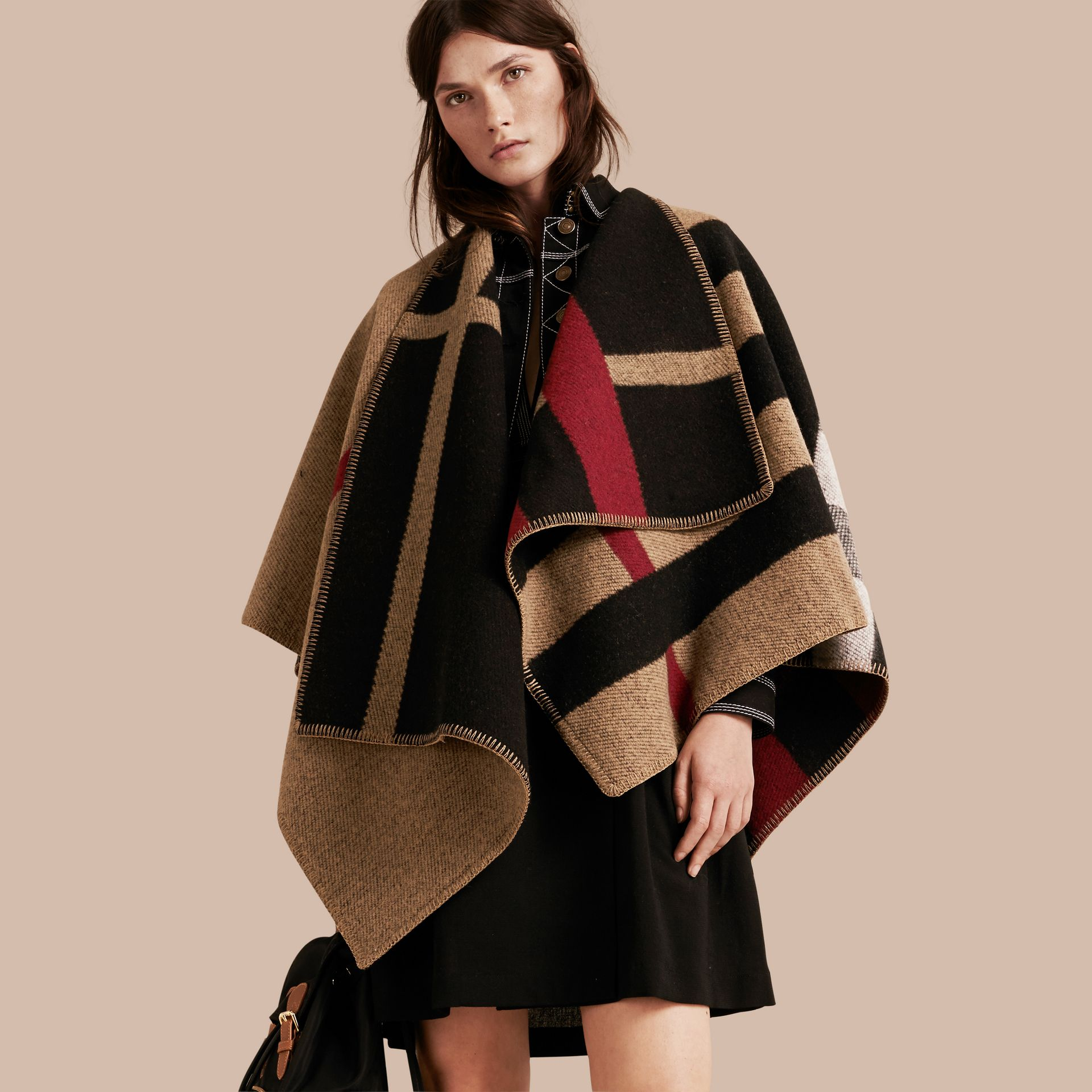 House check/black Check Wool and Cashmere Blanket Poncho - gallery image 7