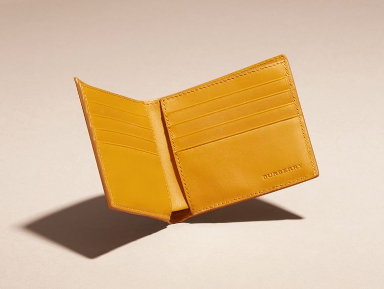 Amber yellow Check-embossed Leather Folding Wallet Amber Yellow - cell image 4