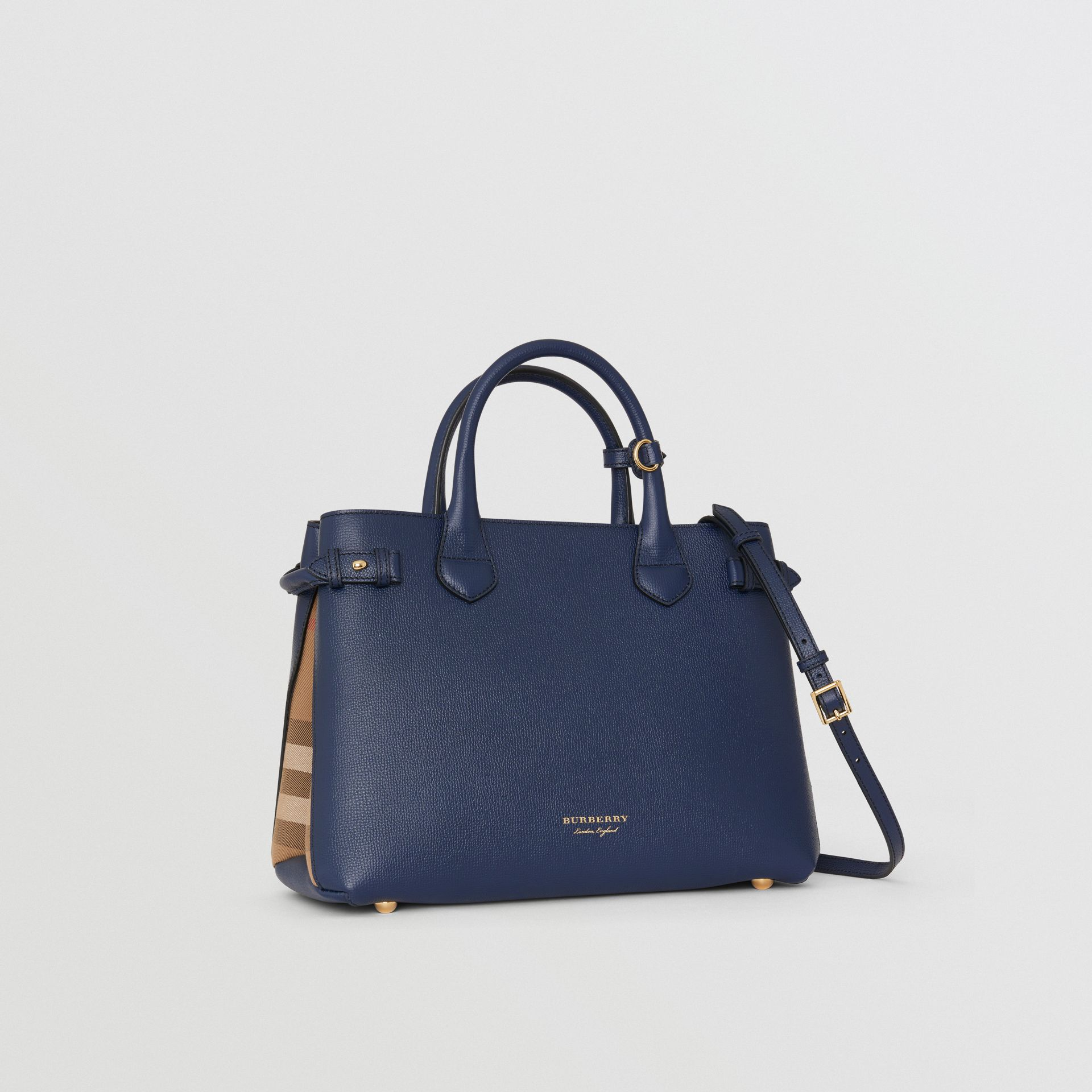Sac The Banner medium en cuir et coton House check (Bleu Encre) - Femme | Burberry - photo de la galerie 6