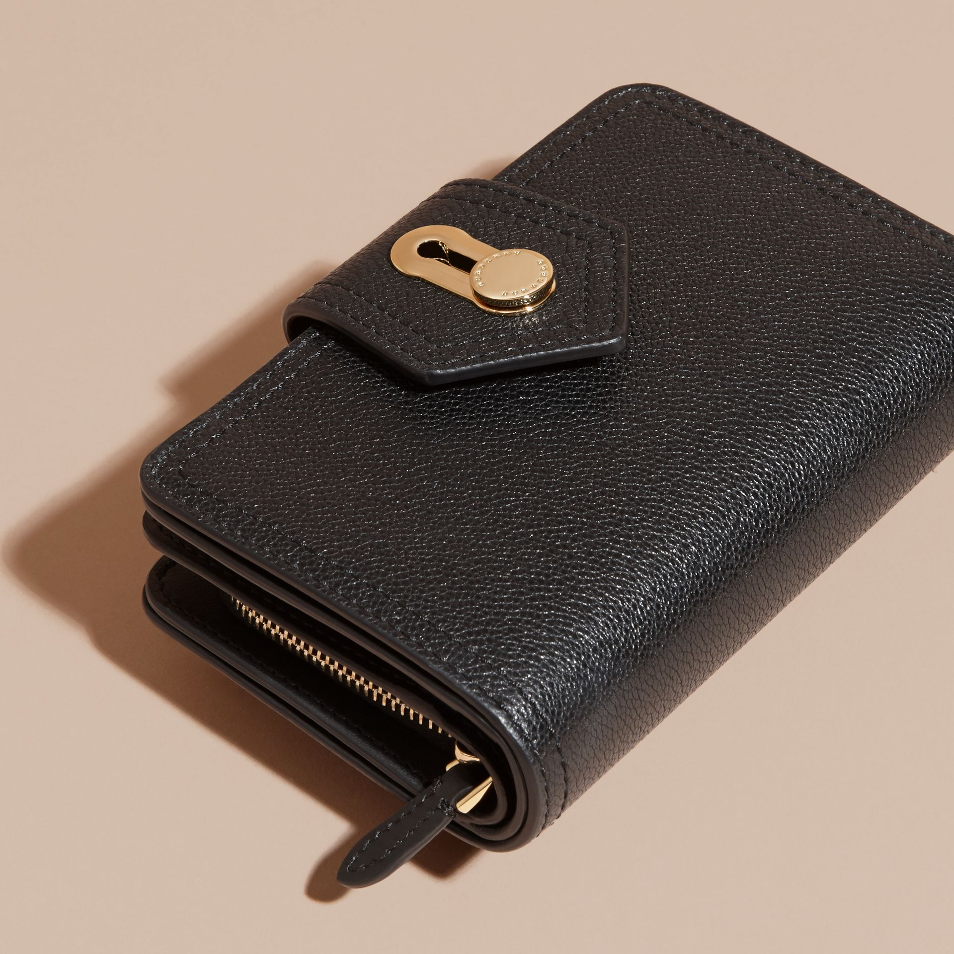 Black Grainy Leather Wallet Black - gallery image 3