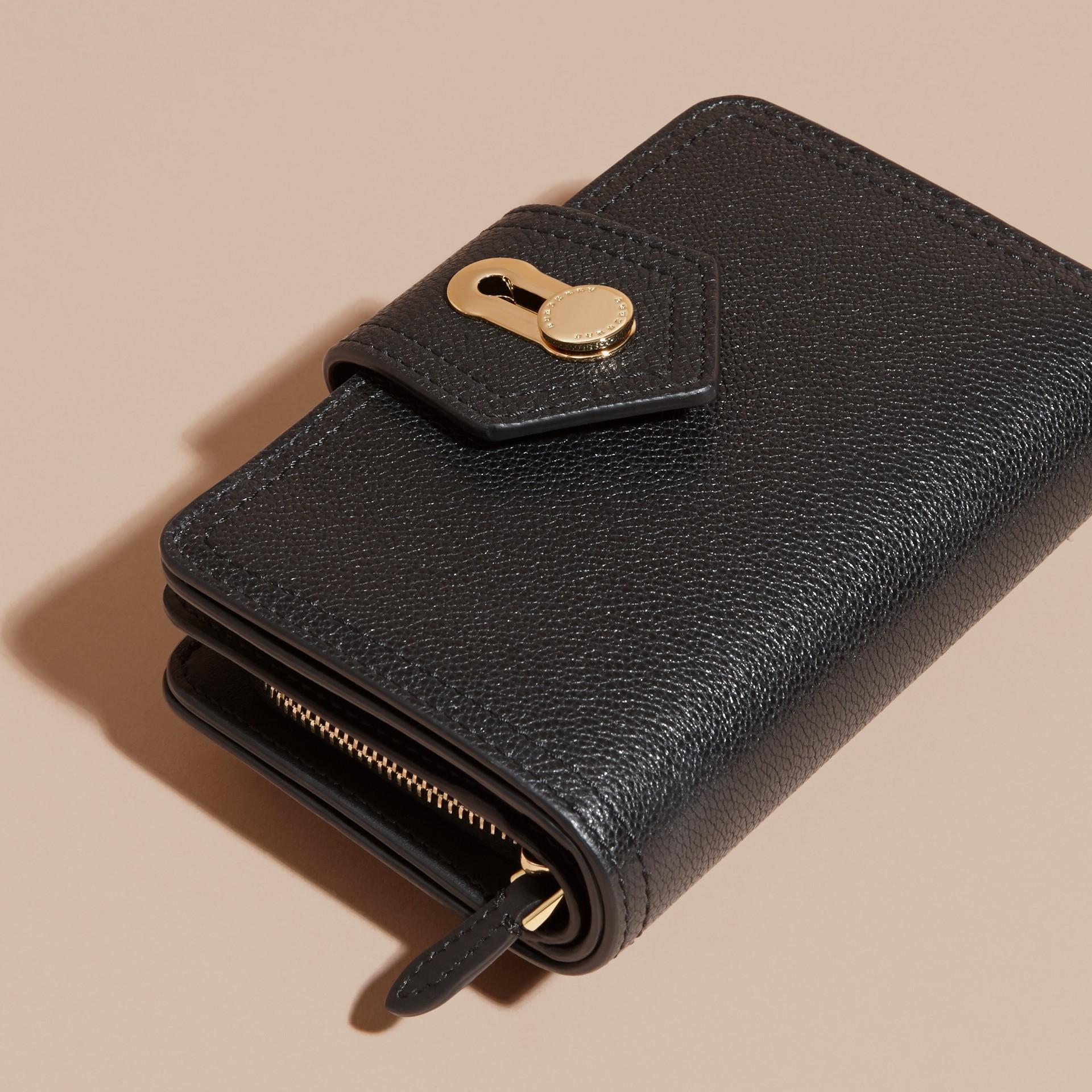 Noir Portefeuille en cuir grené Noir - photo de la galerie 3