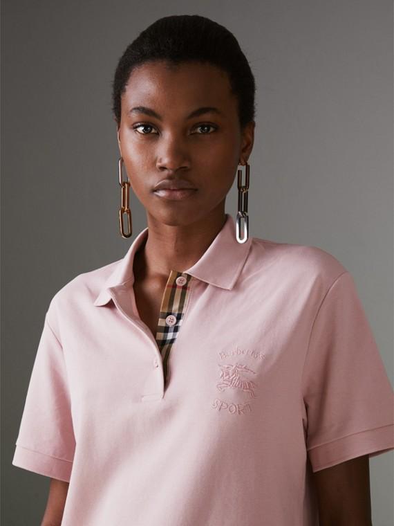 Camisa polo de algodão piquê com tira de botões xadrez (Rosa Giz)