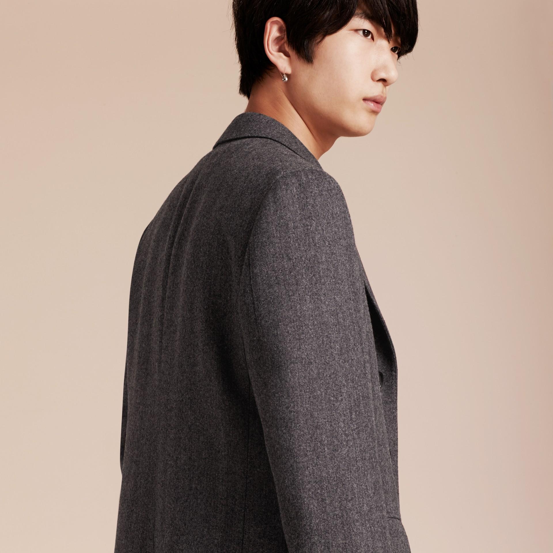 Gris moyen Manteau ajusté en laine à motifs chevrons - photo de la galerie 6
