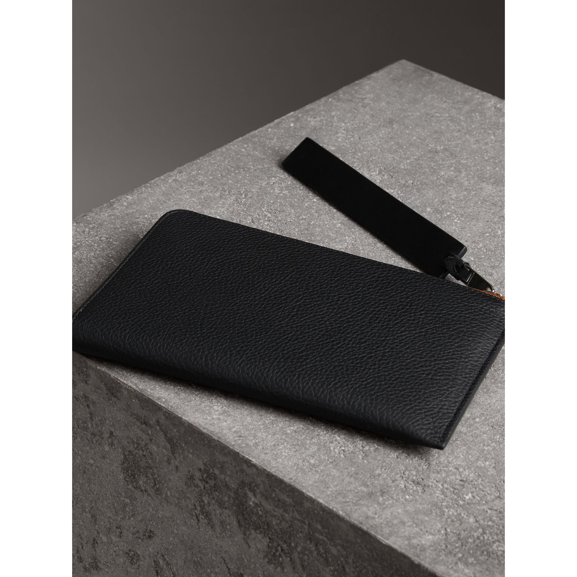 Two-tone Grainy Leather Travel Wallet in Black - Men | Burberry Australia - gallery image 5