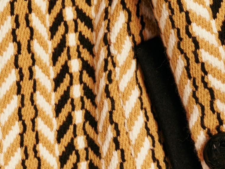 Giallo ocra Il cappotto frangiato - cell image 1