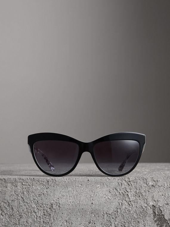 Doodle Cat-eye Frame Sunglasses in Black - Women | Burberry Singapore - cell image 3