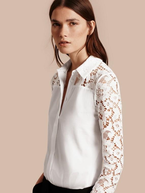 Camicia in cotone con dettagli in pizzo macramè