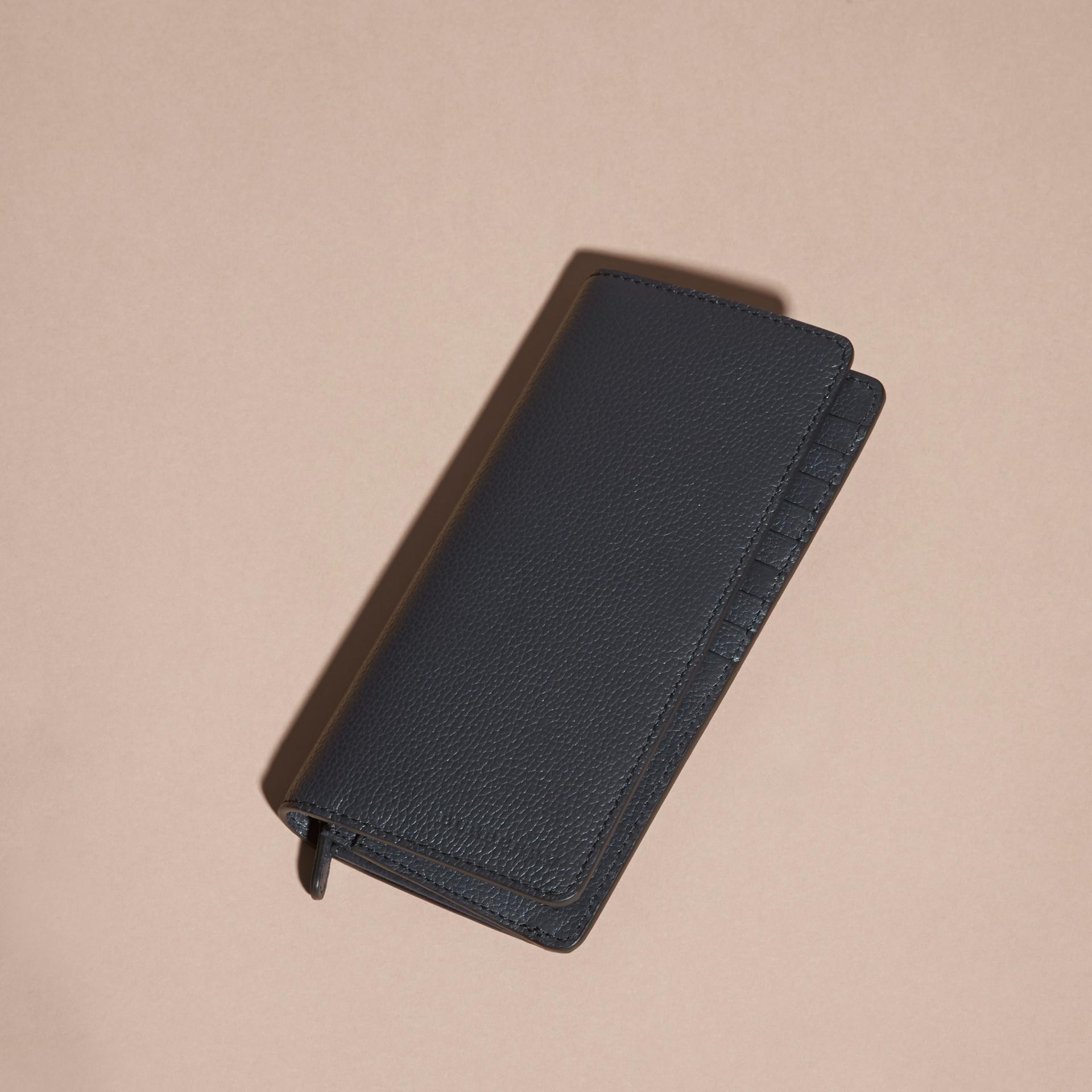 Dunkles zinnblau Brieftasche im Kontinentalformat aus genarbtem Leder Dunkles Zinnblau - Galerie-Bild 3