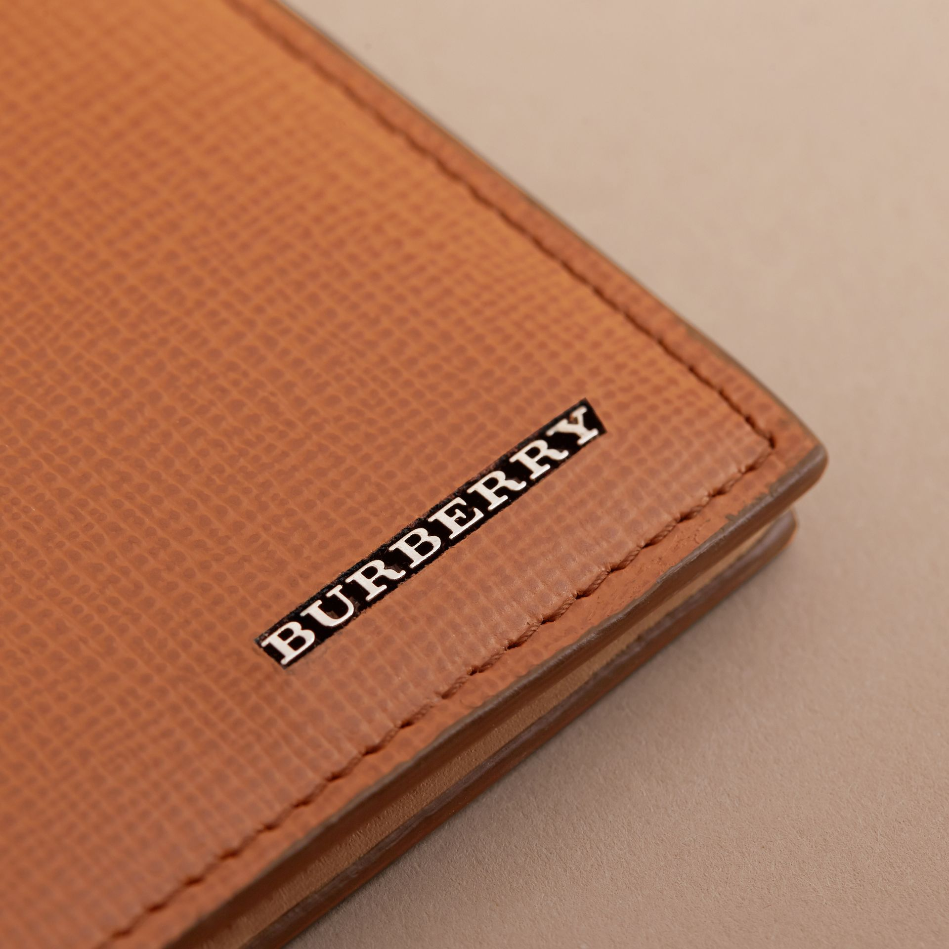 London Leather International Bifold Wallet in Tan | Burberry - gallery image 5