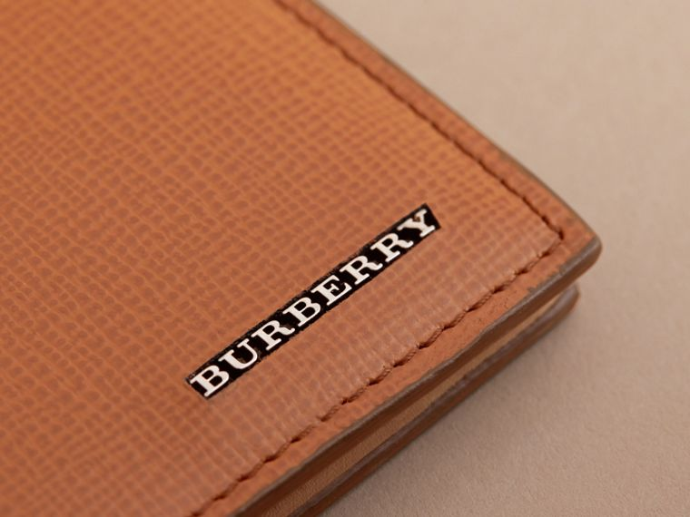 London Leather International Bifold Wallet in Tan | Burberry Australia - cell image 4